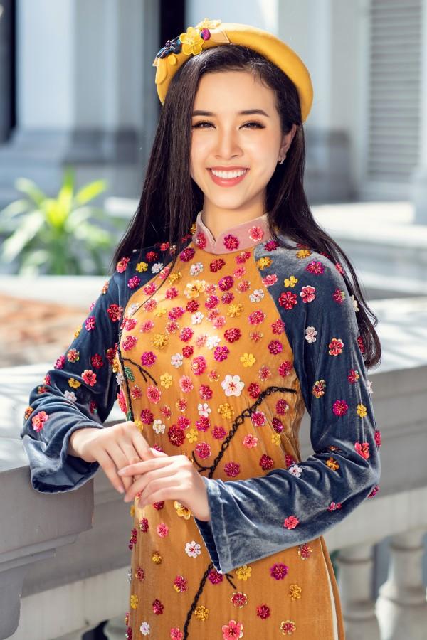 Hoa hậu Tiểu Vy cùng hai á hậu diện áo dài Xuân rạng rỡ khoe nhan sắc - Ảnh 3