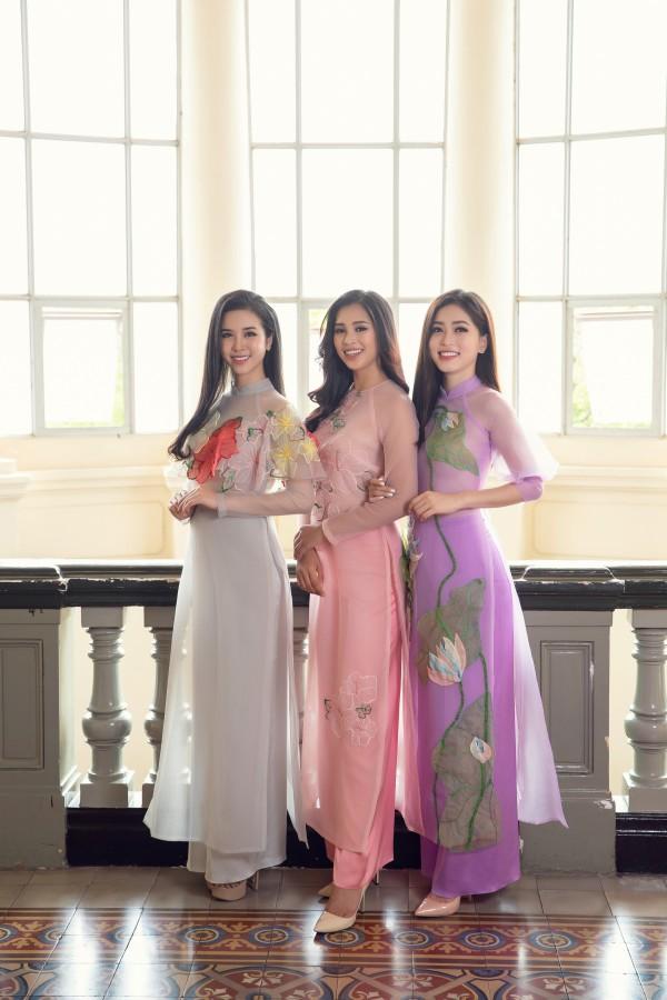 Hoa hậu Tiểu Vy cùng hai á hậu diện áo dài Xuân rạng rỡ khoe nhan sắc - Ảnh 7