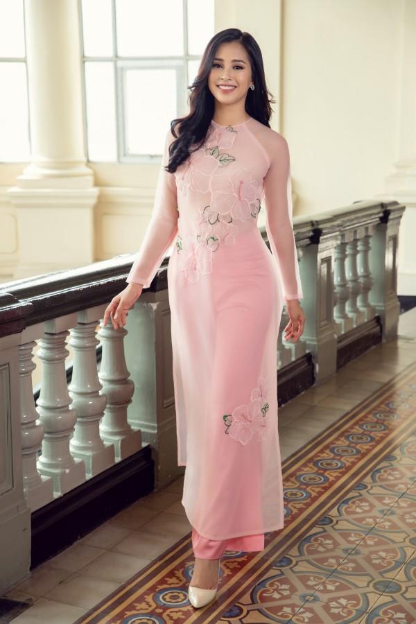 Hoa hậu Tiểu Vy cùng hai á hậu diện áo dài Xuân rạng rỡ khoe nhan sắc - Ảnh 8