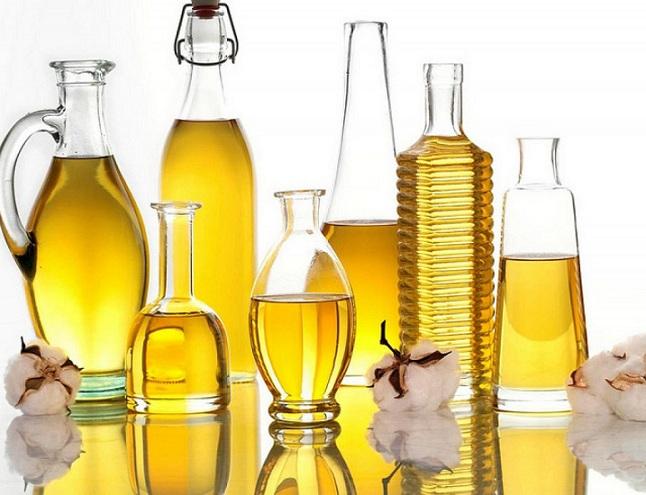 Bên cạnh công dụng trong ẩm thực, dầu ăn còn giúp bạn làm sạch đồ dùng trong nhà hiệu quả