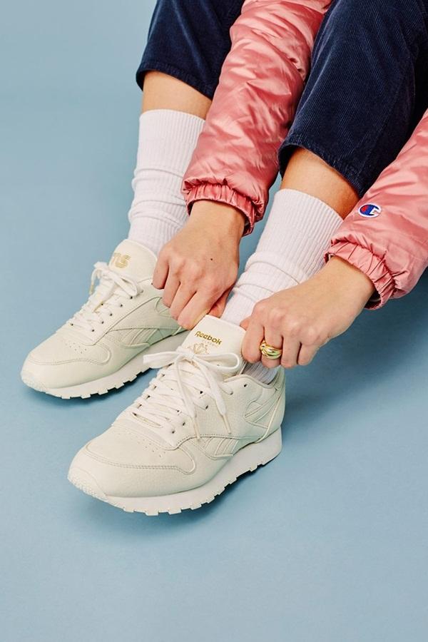 Hè đến, ai mê giày trắng mà không biết 8 mẹo làm sạch giày trắng tinh như mới chưa đến 3 phút thế này thì quá phí - Ảnh 7
