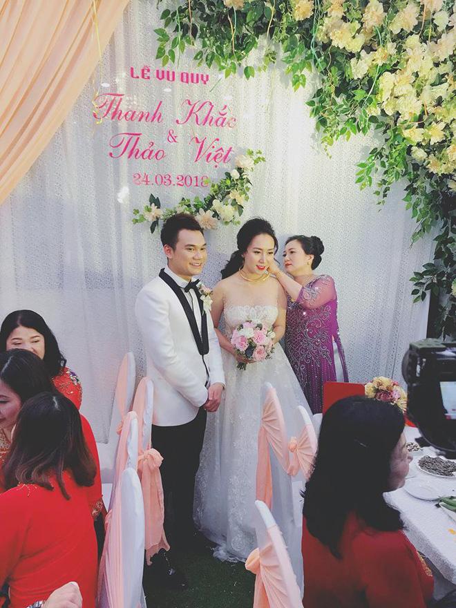 Khắc Việt hạnh phúc bên cạnh cô dâu 9x trong ngày cưới tại Yên Bái - Ảnh 3
