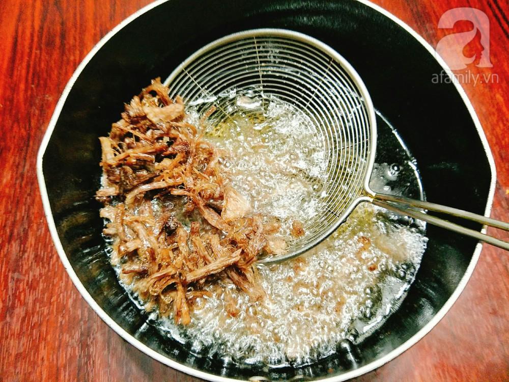 Chỉ là thịt heo xào thôi mà làm thế này ăn ngày lạnh bao nhiêu cơm cũng hết veo - Ảnh 5