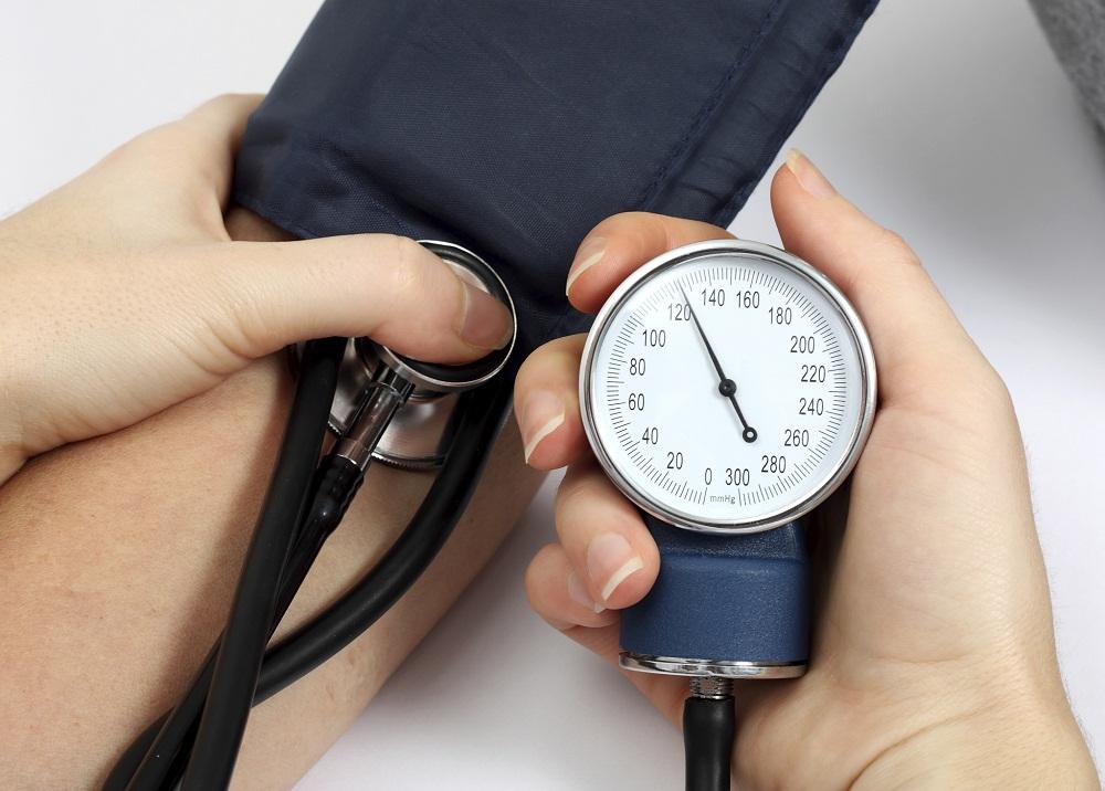 Tăng huyết áp là triệu chứng của nhiễm độc thai nghén 3 tháng cuối