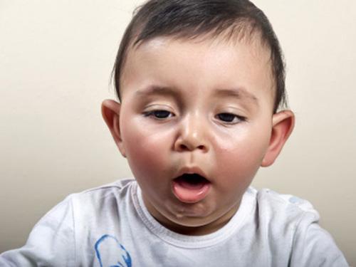 Xử trí tại chỗ dị vật đường thở cho trẻ - Ảnh 1