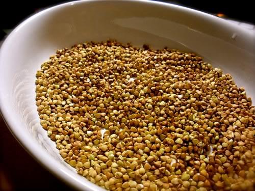 Hạt kê vàng tí hon, thuốc quý của muôn nhà - Ảnh 1