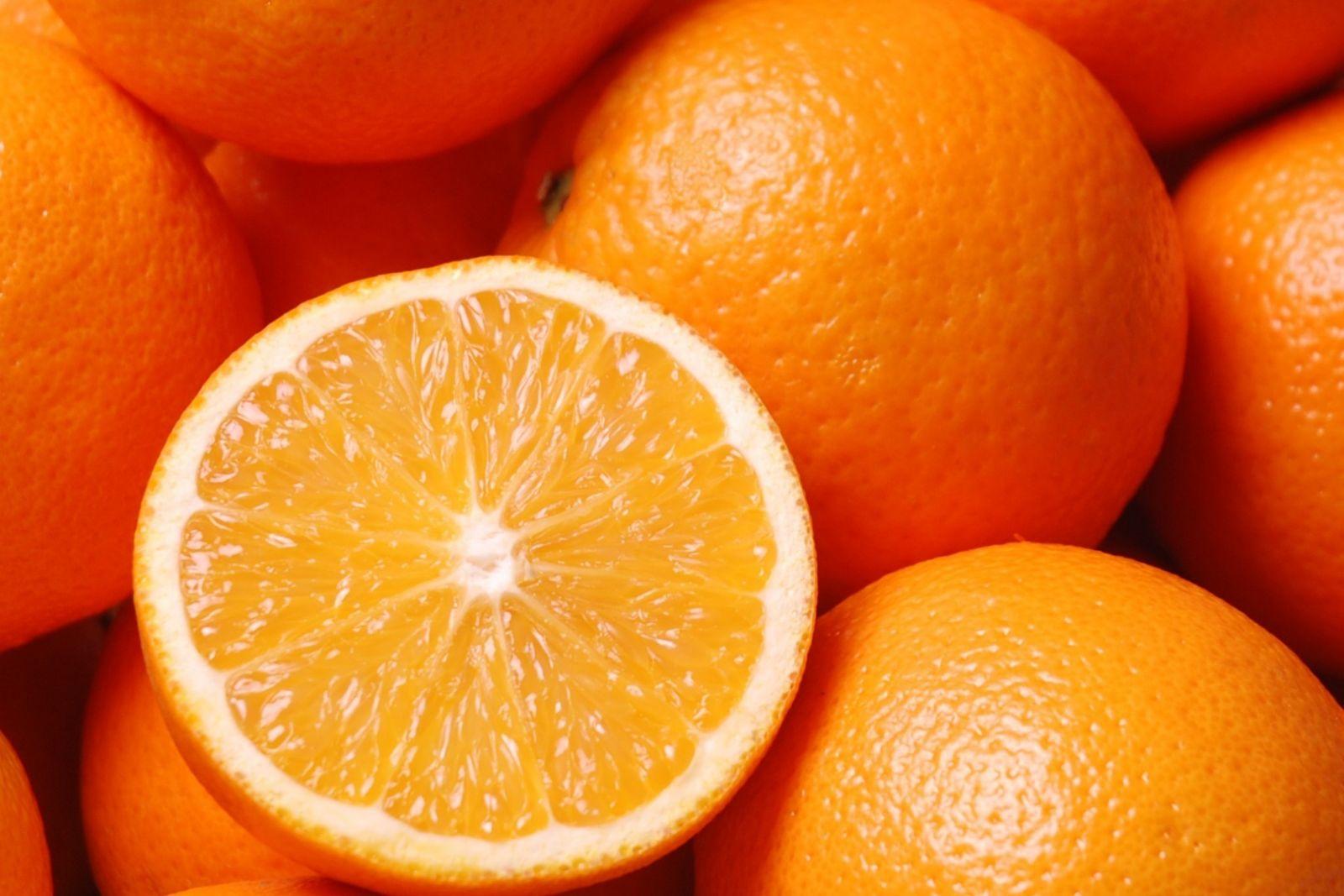 Mẹo chọn cam ngon, ngọt, nhiều nước nhất - Ảnh 1