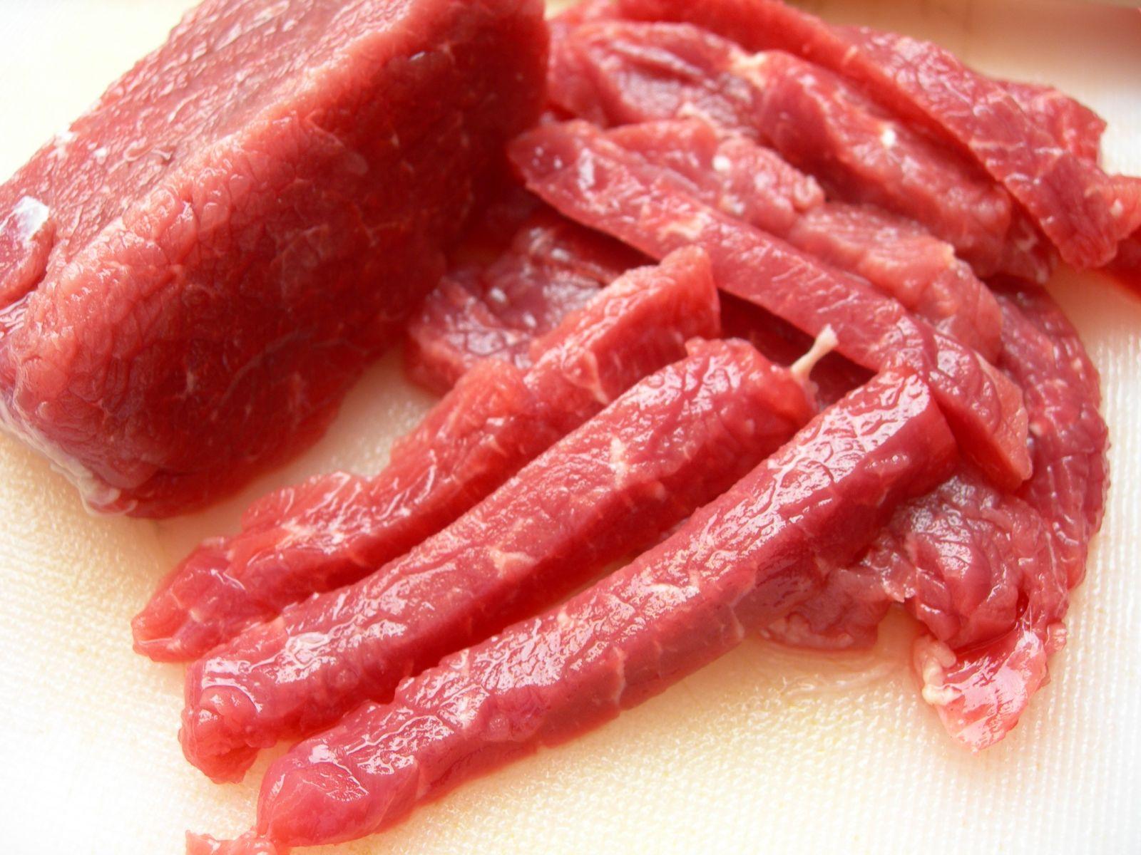 Mẹo chọn thịt bò tươi ngon cực chính xác - Ảnh 1