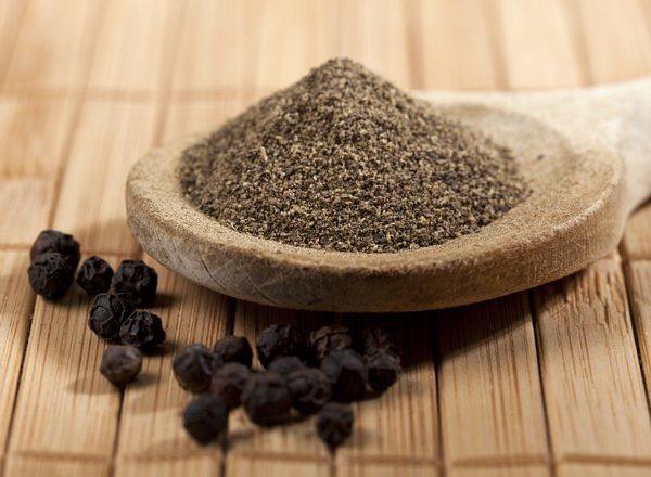Món ăn, bài thuốc chữa bệnh từ hạt tiêu đen sẽ điều trị dứt điểm những căn bệnh đáng sợ khi trời rét đậm - Ảnh 2