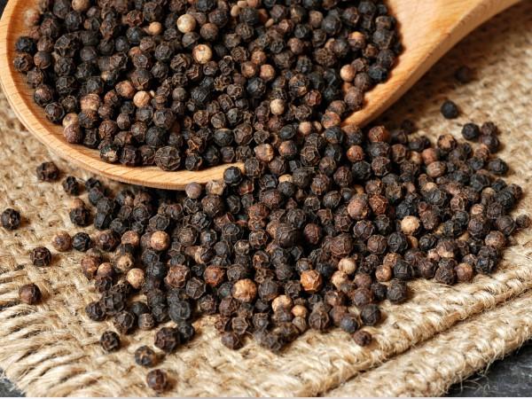 Món ăn, bài thuốc chữa bệnh từ hạt tiêu đen sẽ điều trị dứt điểm những căn bệnh đáng sợ khi trời rét đậm - Ảnh 4