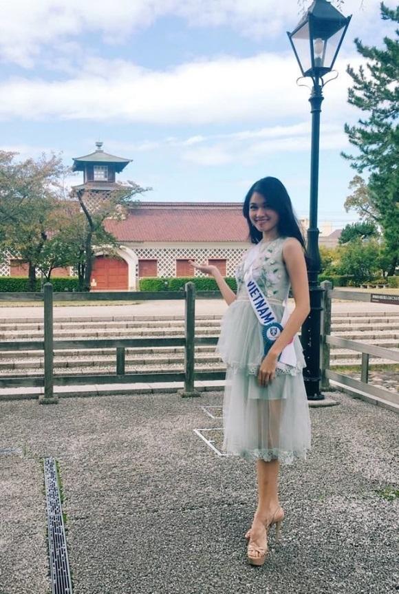 Á hậu Thùy Dung dính bệnh thủy đậu ngay trước thềm chung kết Hoa hậu Quốc tế 2017: Nhan sắc xuống dốc nghiêm trọng - Ảnh 5