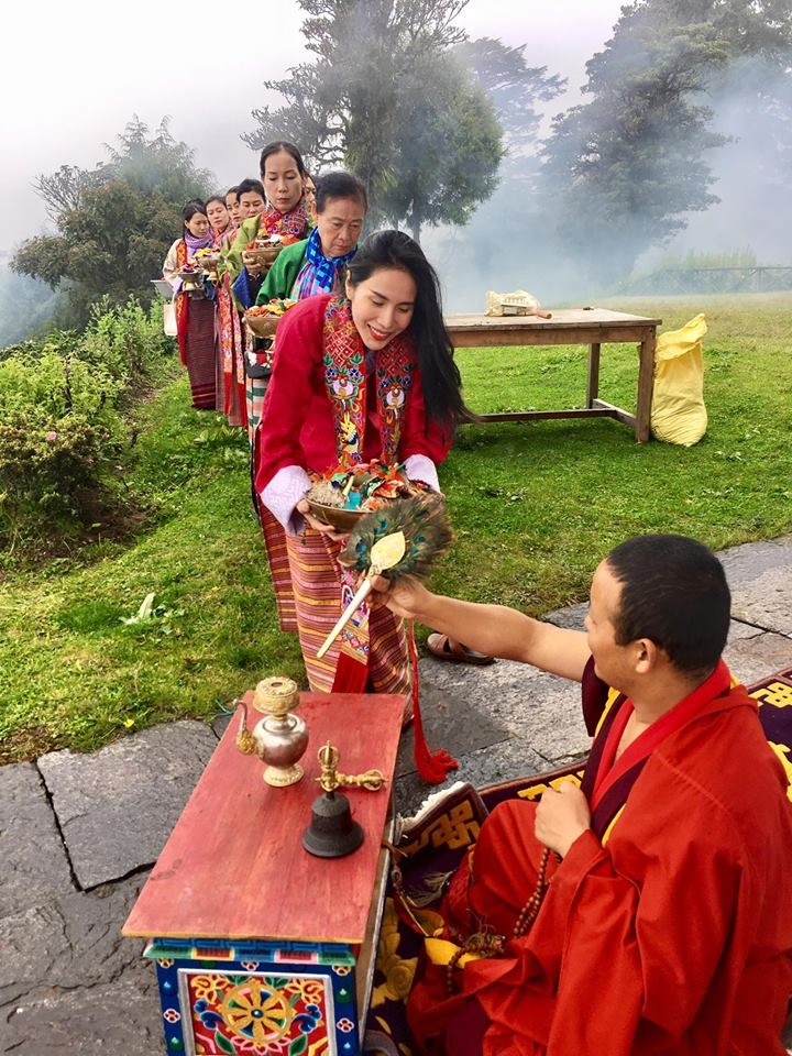 Thủy Tiên may mắn nhìn thấy chân cầu vồng tại thánh địa Phật Bhutan