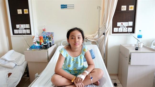 Cứu bé gái 9 tuổi bị viêm thân sống đĩa đệm - Ảnh 1