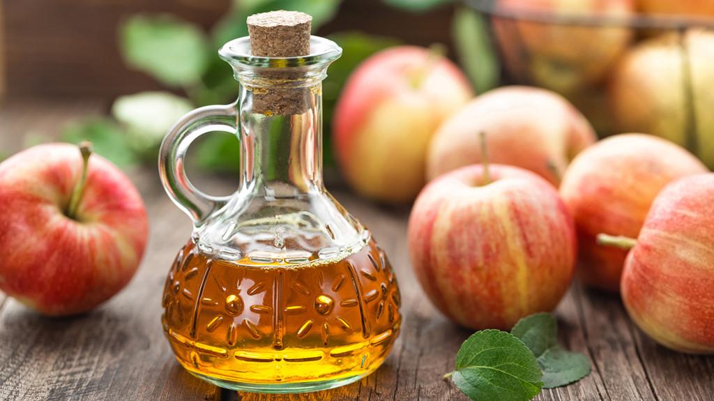 Giấm táo chỉ có thể làm món salad ngon miệng hơn chứ không có tác dụng với âm đạo