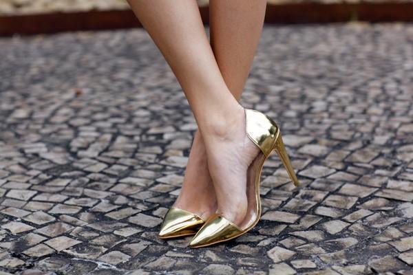 Từ một đôi giày, nhìn thấu một đời: Ai bỏ qua tiếc nửa đời người - Ảnh 2
