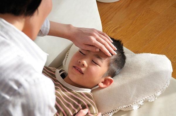 Tiến sĩ Nhi khoa vạch ra sai lầm của mẹ Việt trước dịch cúm mùa - Ảnh 1