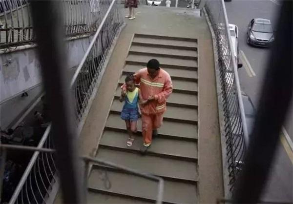 Cảm động người cha nghèo hết mực yêu thương, hy sinh vì con gái