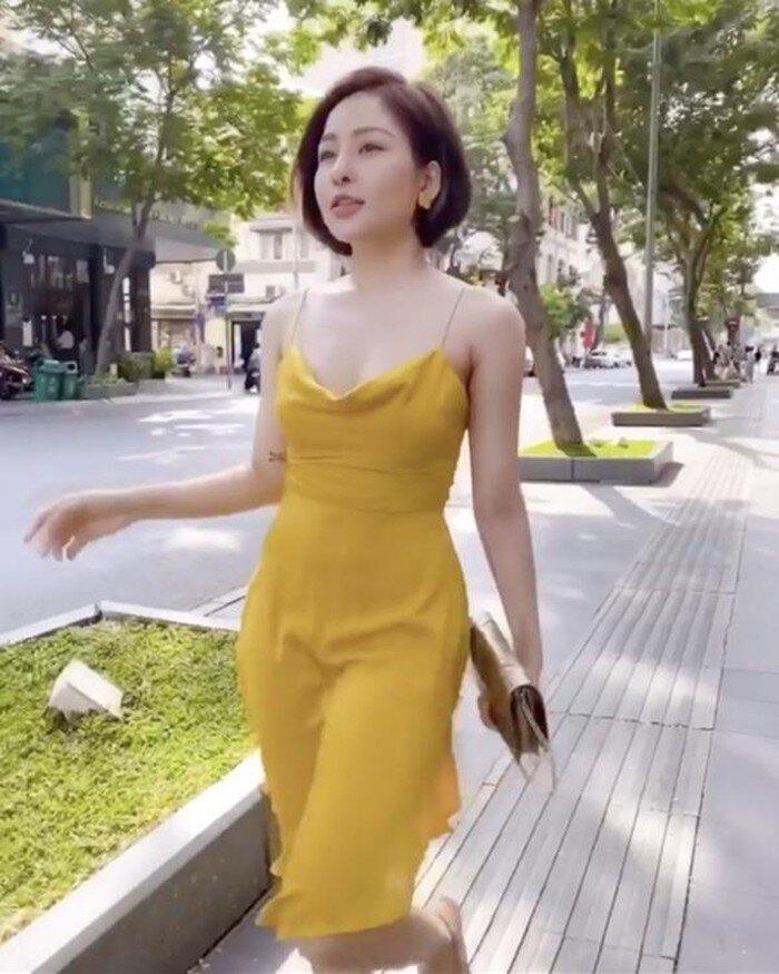 Bài học xương máu khi mặc váy lụa: Midu, hotgirl Trâm Anh bị hằn rõ 'vùng cấm địa' kém duyên - Ảnh 11