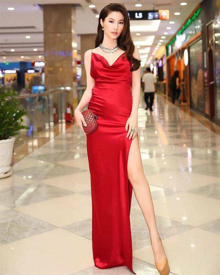 Bài học xương máu khi mặc váy lụa: Midu, hotgirl Trâm Anh bị hằn rõ 'vùng cấm địa' kém duyên - Ảnh 13