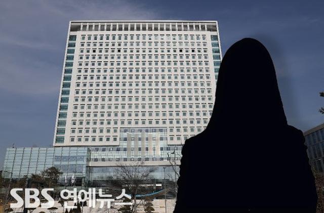 Nữ ca sĩ thần tượng xứ Hàn bị tố lừa đảo 50 triệu won - Ảnh 1