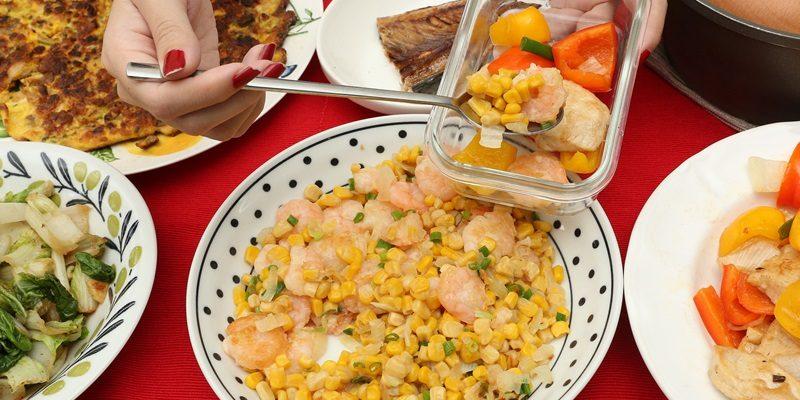 Nói không với 7 thói quen xấu trong bữa tối để bảo vệ sức khỏe, tránh bệnh về tiêu hóa và ngừa ung thư - Ảnh 2