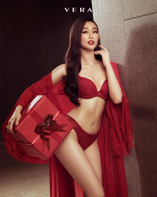 """Cùng mặc nội y đọ dáng sexy với Mâu Thủy, Khánh My nhưng sao ảnh của Chi Pu lại """"nhận được nhiều phẫn nộ"""" thế này - Ảnh 3"""
