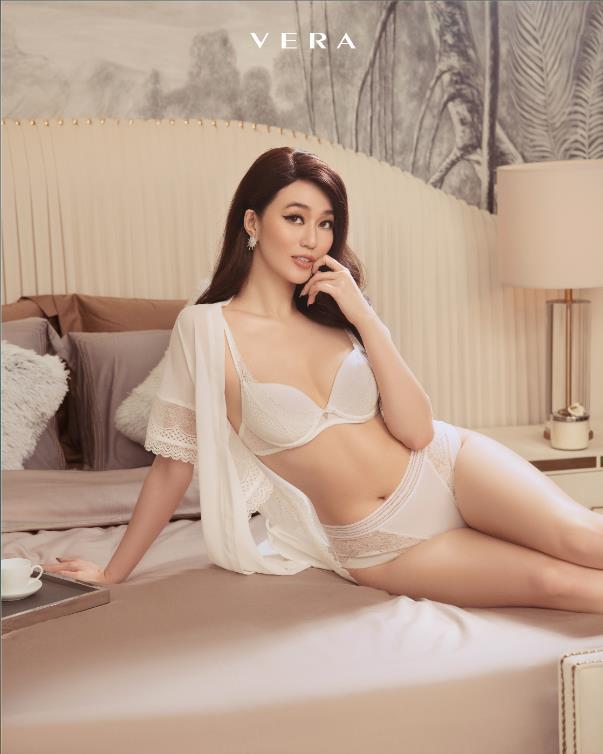 """Cùng mặc nội y đọ dáng sexy với Mâu Thủy, Khánh My nhưng sao ảnh của Chi Pu lại """"nhận được nhiều phẫn nộ"""" thế này - Ảnh 6"""