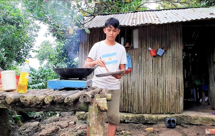 Tất tần tật về Sang Vlog - YouTuber được mệnh danh là 'nghèo nhất Việt Nam' - Ảnh 8