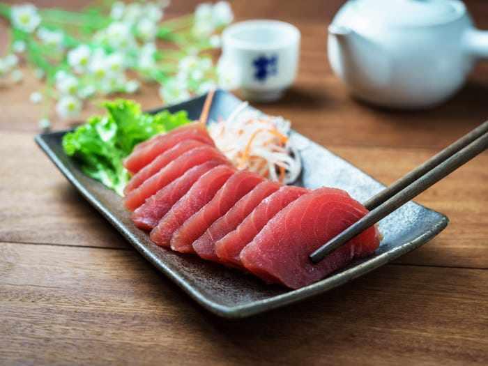 6 mối nguy tiềm ẩn có thể xảy ra khi ăn đồ sống như sushi, sashimi - Ảnh 3