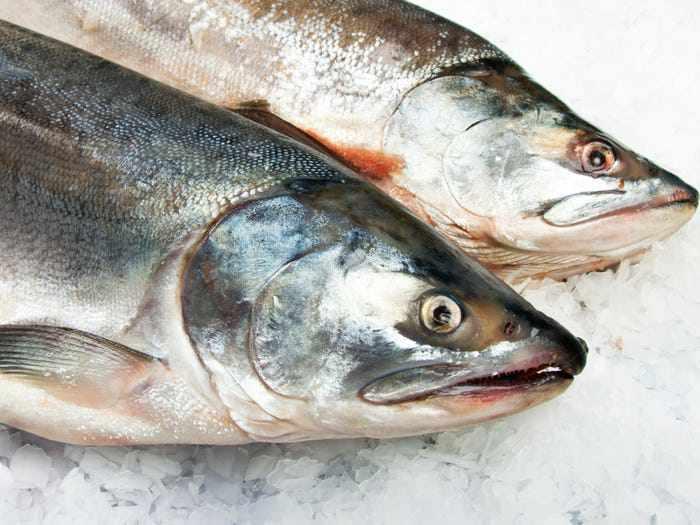 6 mối nguy tiềm ẩn có thể xảy ra khi ăn đồ sống như sushi, sashimi - Ảnh 1