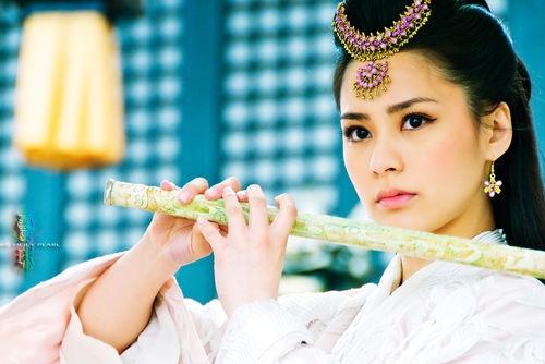 Những mỹ nhân Hoa ngữ sở hữu đôi mắt biết nói, hút hồn khán giả - Ảnh 11
