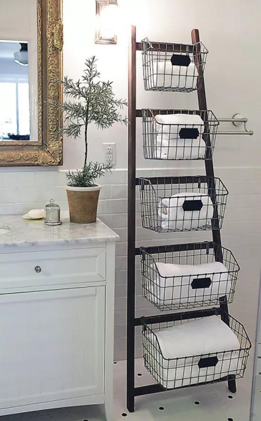 Biến tấu nội thất tronng nhà bằng cách dùng thang để trang trí - Ảnh 4
