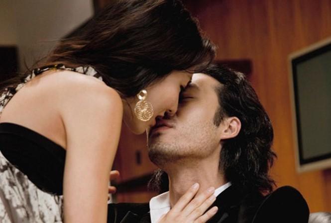Kỹ năng đưa vợ 'lên đỉnh' chỉ một lần 'YÊU' của anh chồng 9x khiến nhiều anh kêu bằng 'sư phụ' - Ảnh 1