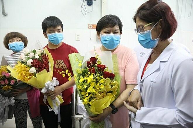 Bệnh nhân viêm phổi corona thứ hai ở TP HCM xuất viện - Ảnh 2