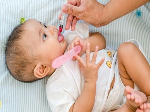 Cách bổ sung vitamin D cho trẻ sơ sinh - Ảnh 1