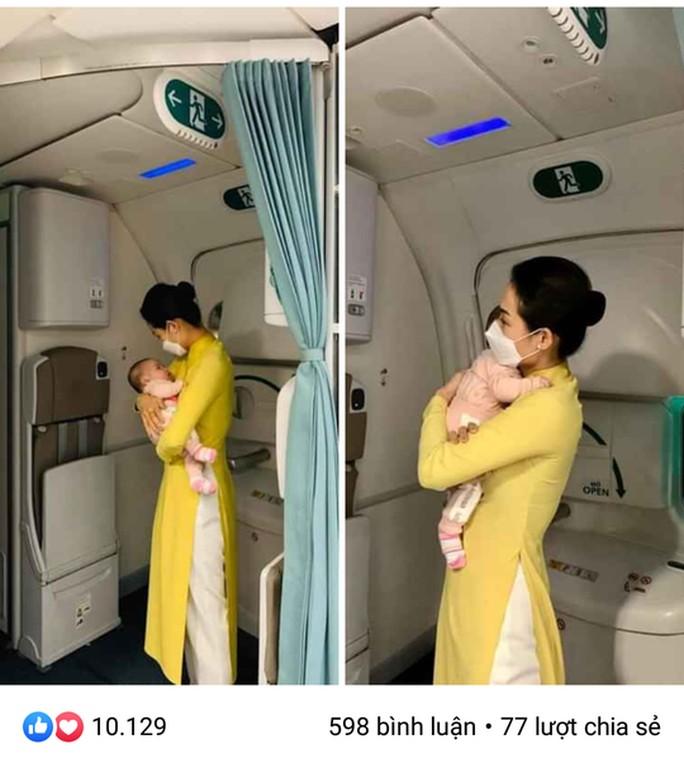 Nữ tiếp viên bế cháu bé 2 tháng tuổi trên máy bay từ Frankfurt về Hà Nội - Ảnh 1