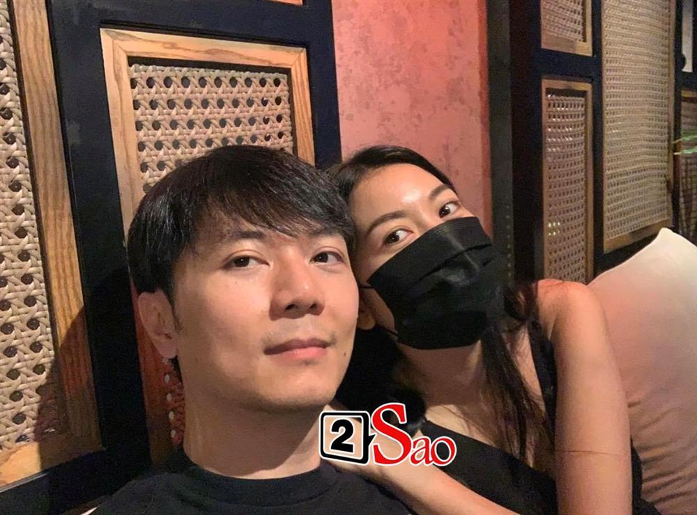 HOT: Chồng sắp cưới của Á hậu Thúy Vân lộ diện sắc nét, U40 nhưng gu ăn mặc cực sành điệu - Ảnh 4