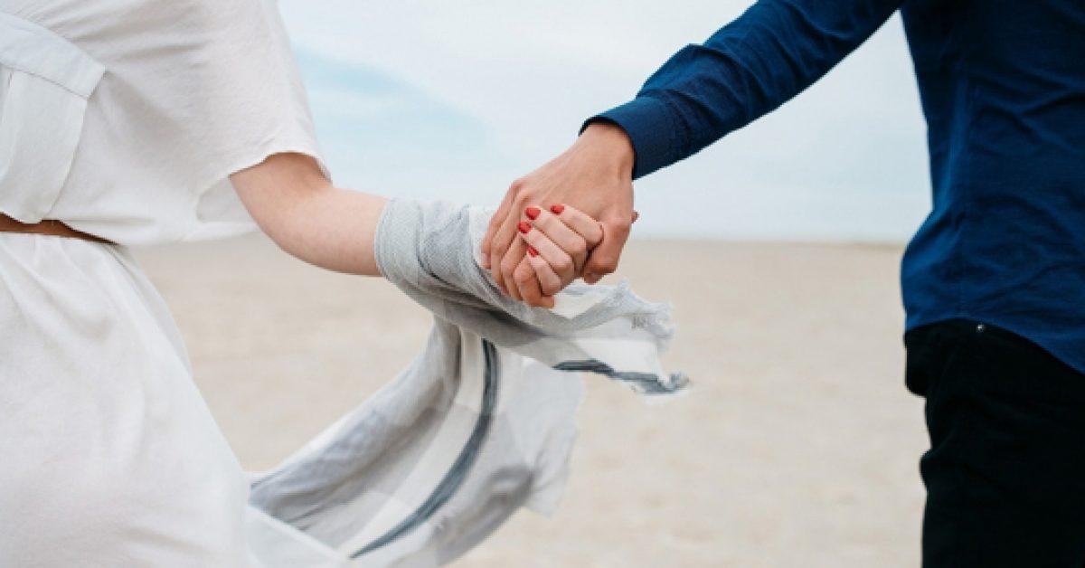 Yêu chính là không phân định đúng sai, đừng vì thắng lý lẽ nhưng lại thua đi một cuộc tình - Ảnh 1