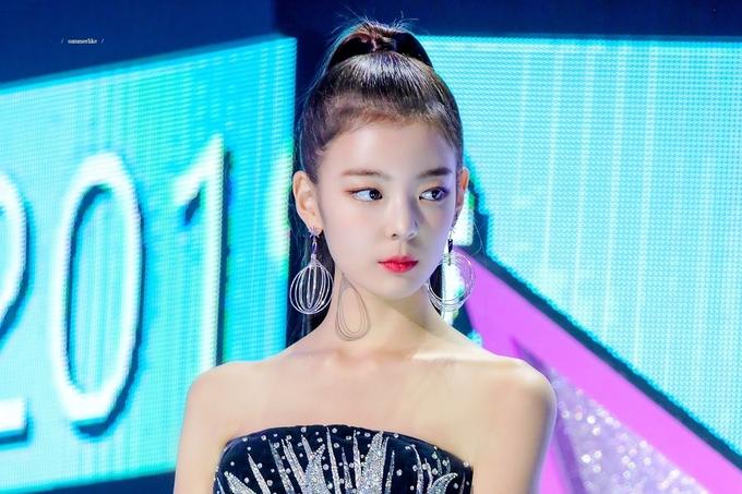 Vượt mặt Jennie, Lia (ITZY) được khen có tỷ lệ cơ thể đẹp nhất Kpop - Ảnh 1