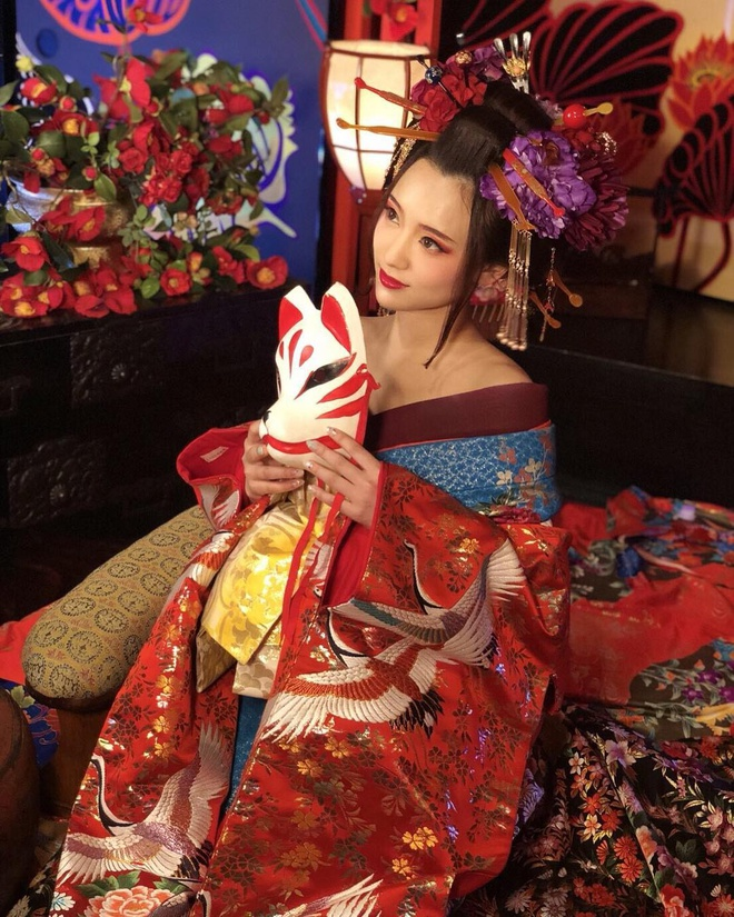 Nữ nha sĩ Nhật Bản nổi tiếng vì vẻ ngoài siêu 'nóng bỏng' - Ảnh 9