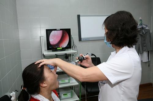 Có nên tự ý dùng thuốc trị viêm mũi dị ứng trong thai kỳ? - Ảnh 1