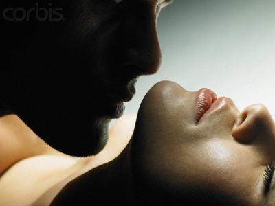 """Bí quyết yêu khiến chàng liêu xiêu: """"Điểm huyệt"""" yêu trên cơ thể chàng - Ảnh 1"""