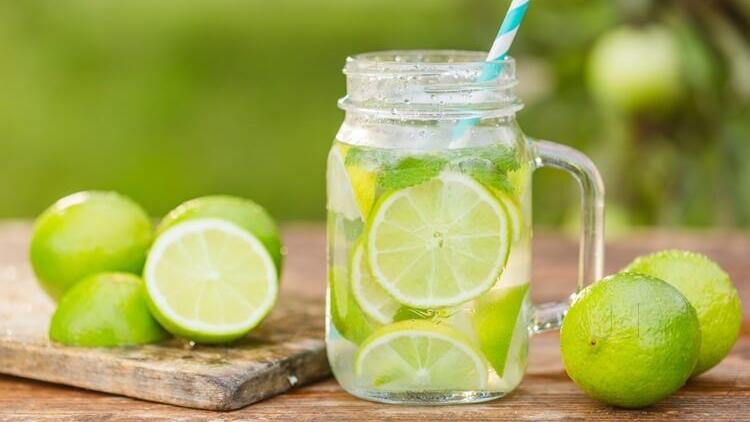 5 loại nước giúp 'đốt cháy' mỡ bụng hiệu quả, chị em nên uống trước khi đi ngủ - Ảnh 1