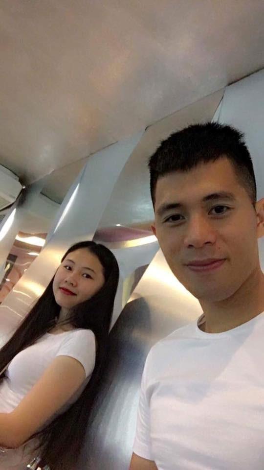 """2 nàng WAG này rất 'được lòng' cư dân mạng, người hâm mộ ra sức """"đẩy thuyền"""" sớm về chung nhà với cầu thủ Việt Nam - Ảnh 2"""