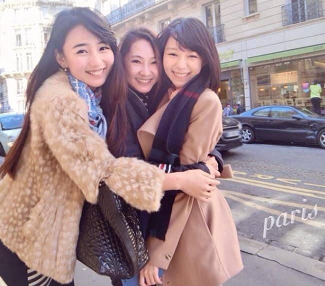 3 bà mẹ trẻ trung bị nhầm là chị của con, người cuối body còn hấp dẫn hơn con gái - Ảnh 6