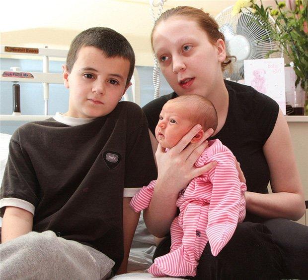 Hai cậu bé chưa dậy thì đã lên chức bố, làm bạn gái tuổi teen mang bầu và sự thật - Ảnh 5