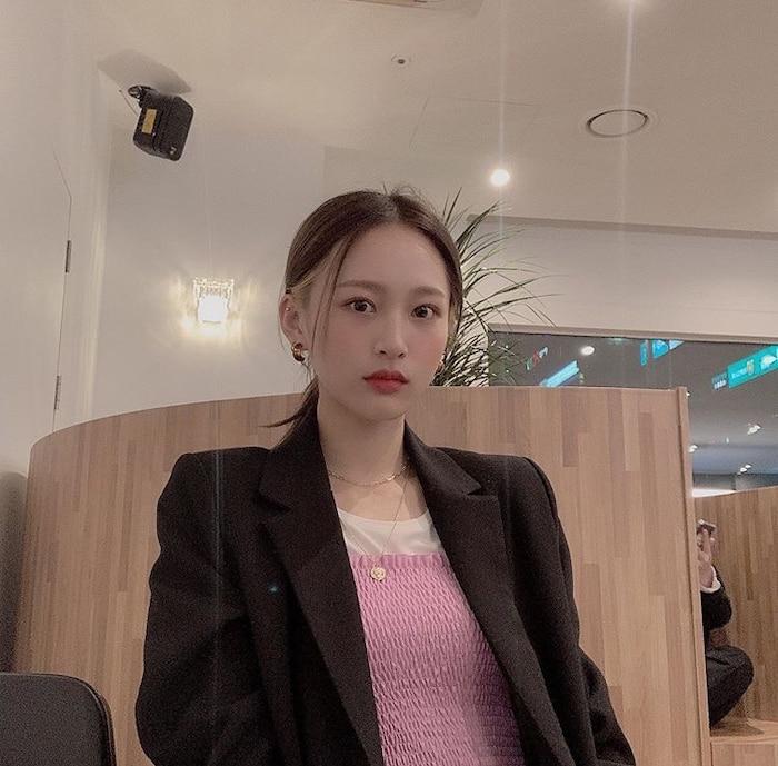 Chia tay Jihyo (TWICE), Kang Daniel (Wanna One) theo dõi bạn gái mới? - Ảnh 6