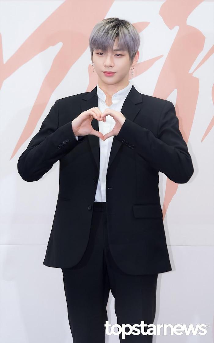 Chia tay Jihyo (TWICE), Kang Daniel (Wanna One) theo dõi bạn gái mới? - Ảnh 7