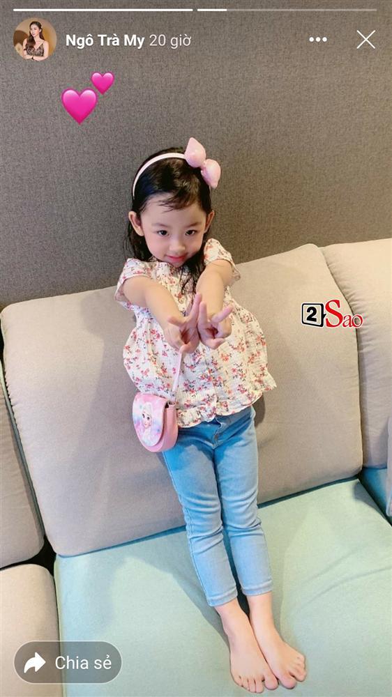 Hiếm hoi mới xuất hiện, ái nữ 4 tuổi nhà Á hậu Ngô Trà My gây ngỡ ngàng vì 'quá xinh' - Ảnh 1