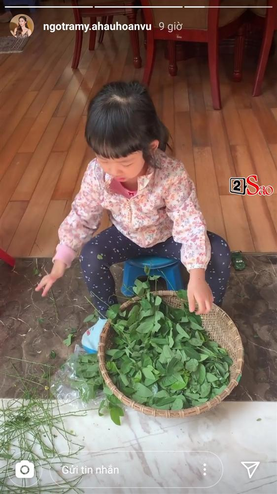 Hiếm hoi mới xuất hiện, ái nữ 4 tuổi nhà Á hậu Ngô Trà My gây ngỡ ngàng vì 'quá xinh' - Ảnh 3